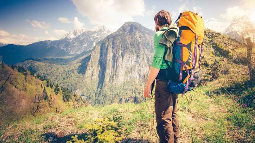 camptrekking-hiker-backpack-mountains